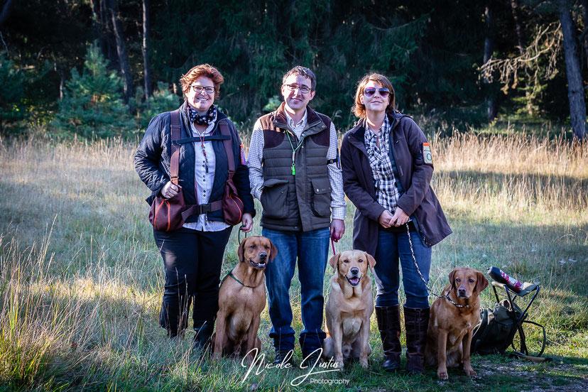 Team gelb: Anja mit Crannfieldlanes Askari, Stefan mit Huntingsource Alois und ich mit Huels' Hunters Hazel Leni
