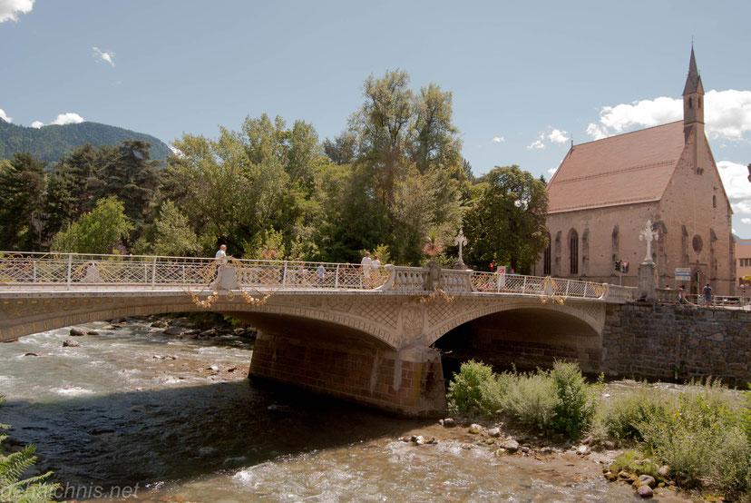 Postbrücke mit  Heilig Geist-Kirche