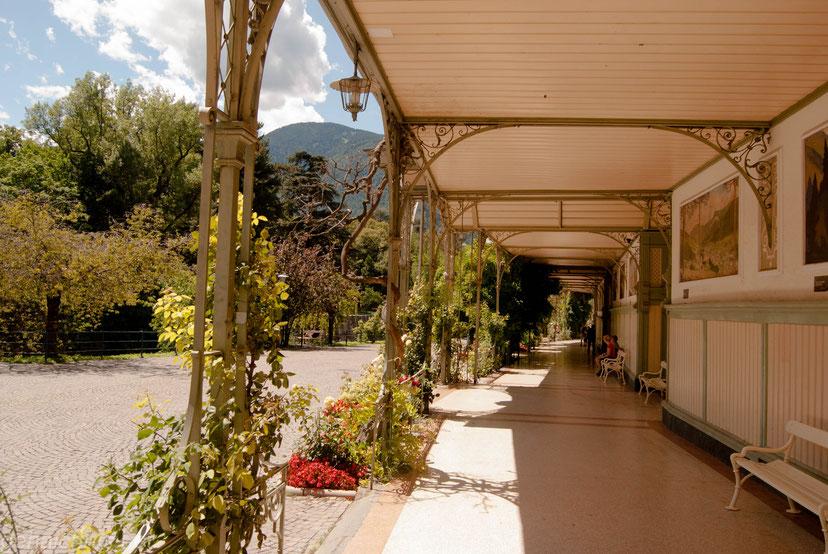 Die Wandelhalle an der Winterpromenade. Ebenfalls im Jugendstil erbaut