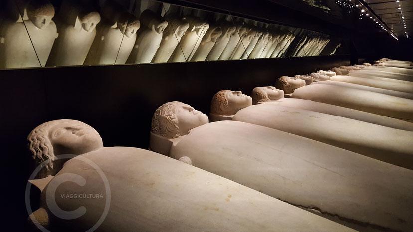 31 sarcofagi antropomorfi rinvenuti a Sidone (VI-IV sec. a.C.) - Museo Nazionale di Beirut