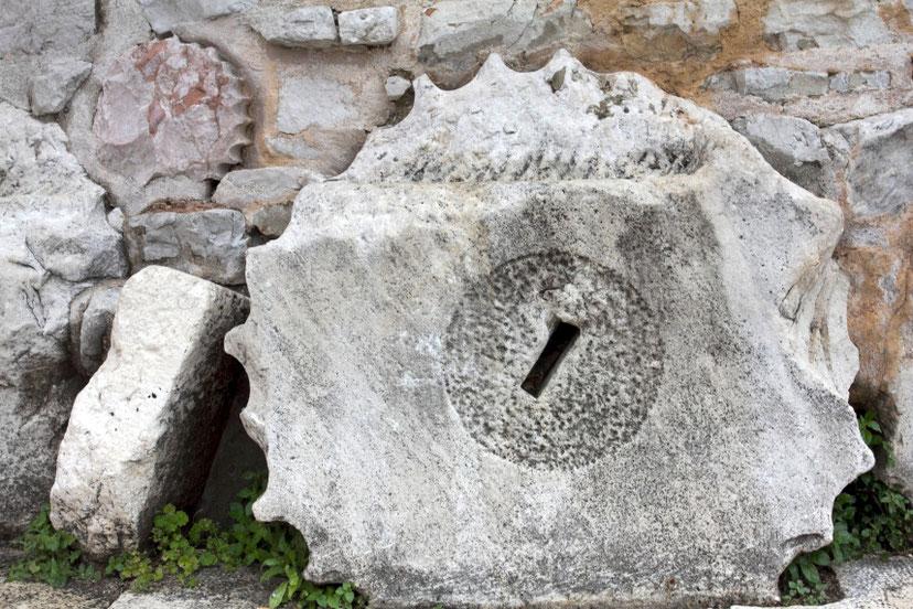 Forumo kolona Šv. Donato bažnyčios pamatuose Zadare / Foto: Kristina Stalnionytė