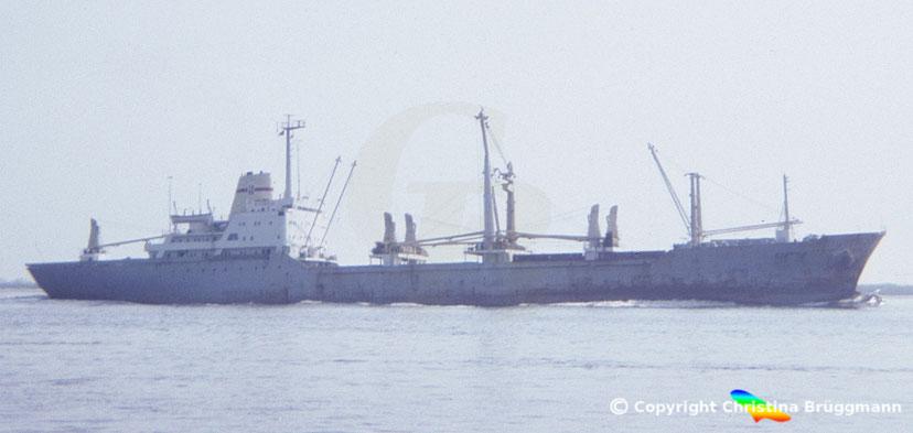 "POL Stückgutfrachter ""KUZNICA"" auf der Elbe 1986"