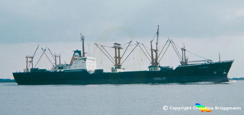 "Stückgutfrachter ""ISLA SANTAY"" auf der Elbe 1983"