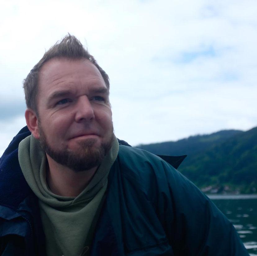 """Der Macher & """"The Voice"""" beim Podcast """"Butter bei die Fische"""" Christopher Holz- Holzi"""