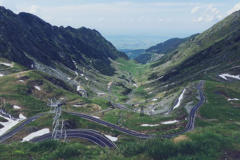 transfagarasan bigousteppes roumanie balkans route montagne