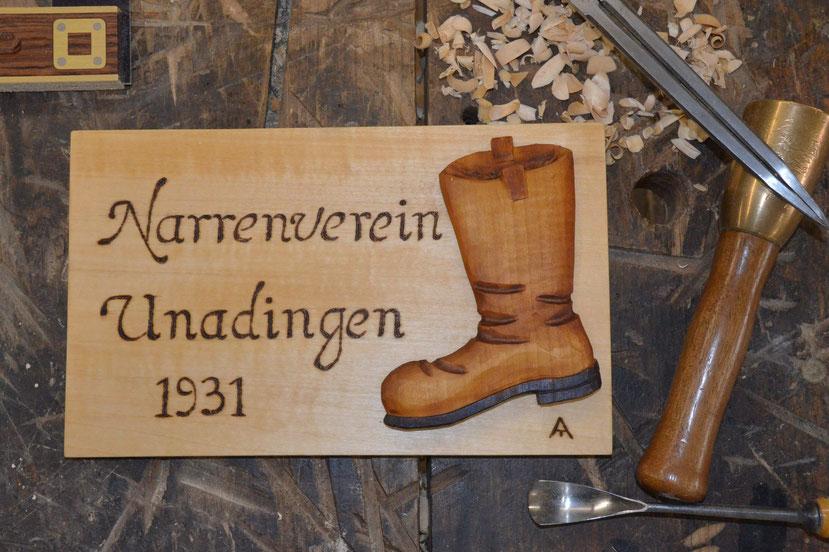 Geschnitzte Vereinstafel aus Lindenholz. Für z.B. Vereinsjubiläum