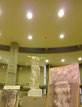 ニケ像を有する大石膏室