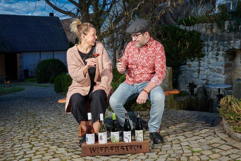 Winzerin Birgit Wiederstein und Christoph Hatheier