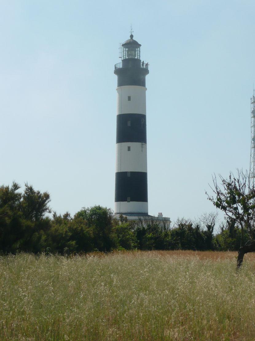 Le phare de chassiron vu côté mer