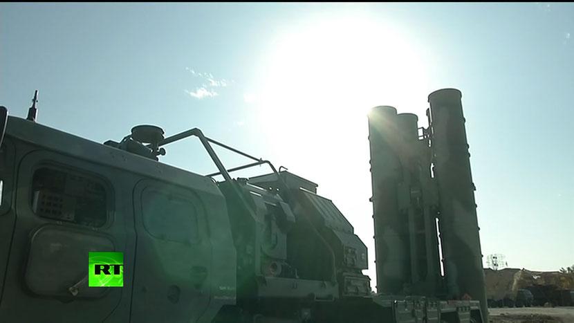 Кадр из видео с развертыванием ЗРК в Хмеймиме