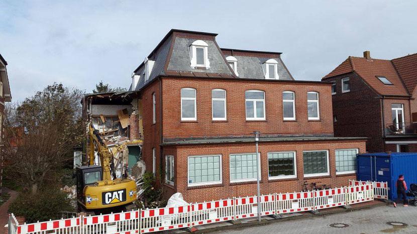 Okt. 2017 Beginn des Abrisses vom Haus Sohn , Foto © Stefan Erdmann, Juist