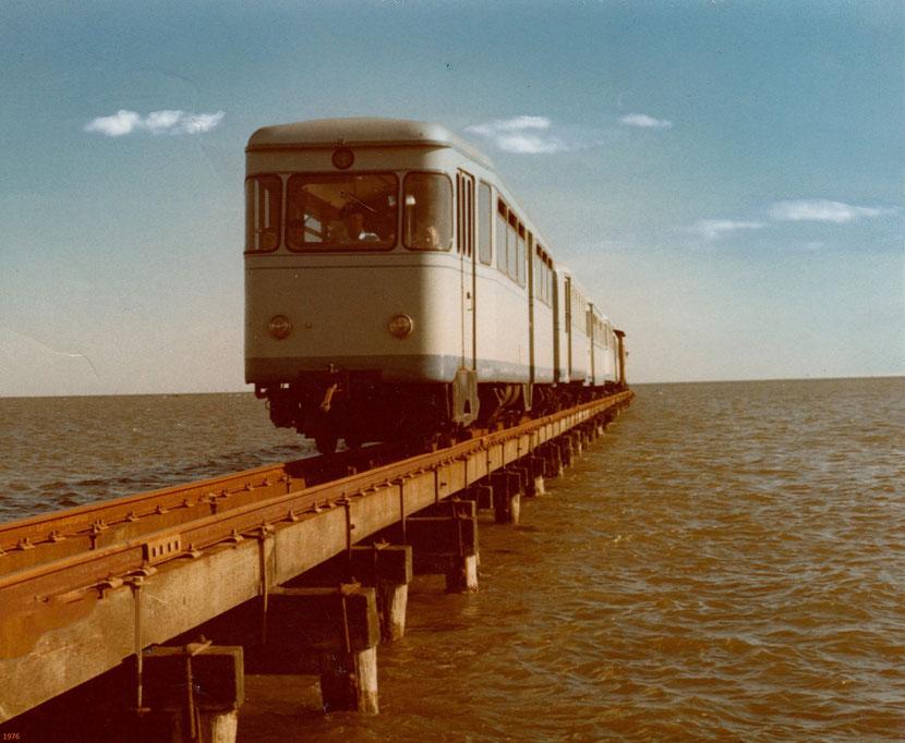 um 1976, vom Anleger zum Bahnhof, Lokführer Paul Schmeiser,