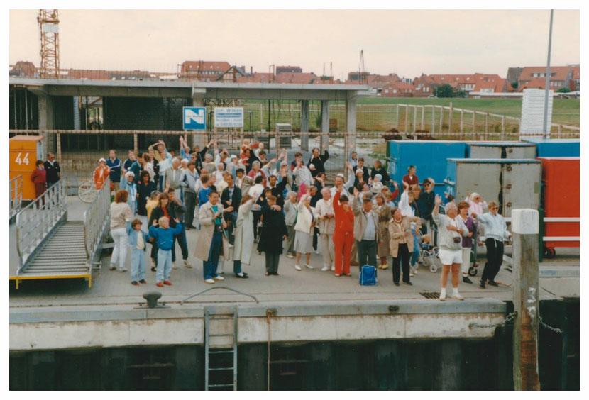 Baubeginn des Hafenbetriebsgebäudes , Fertigstellung in 1987