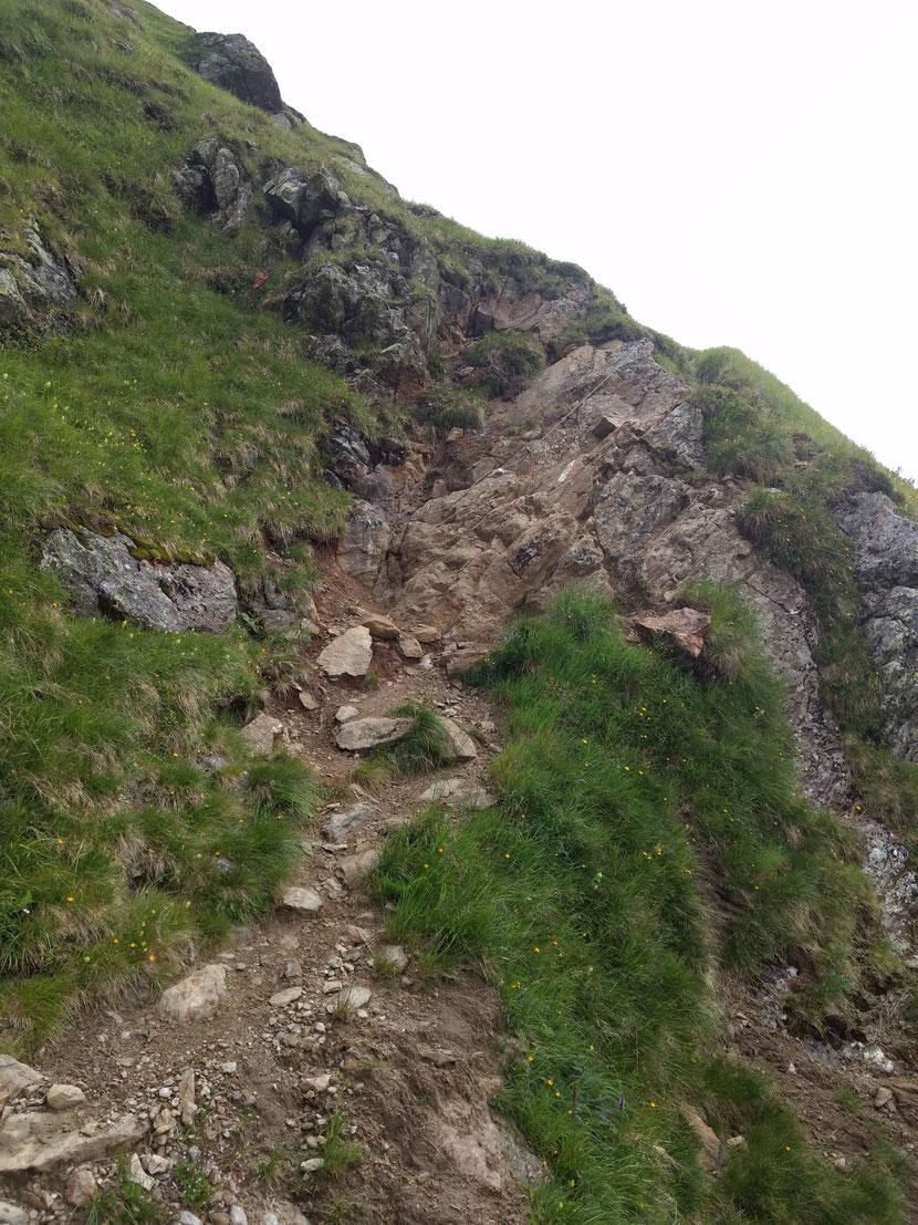 Mittlerweile Gewohnheit: das ruppige Gelände des Stubaier Höhenwegs