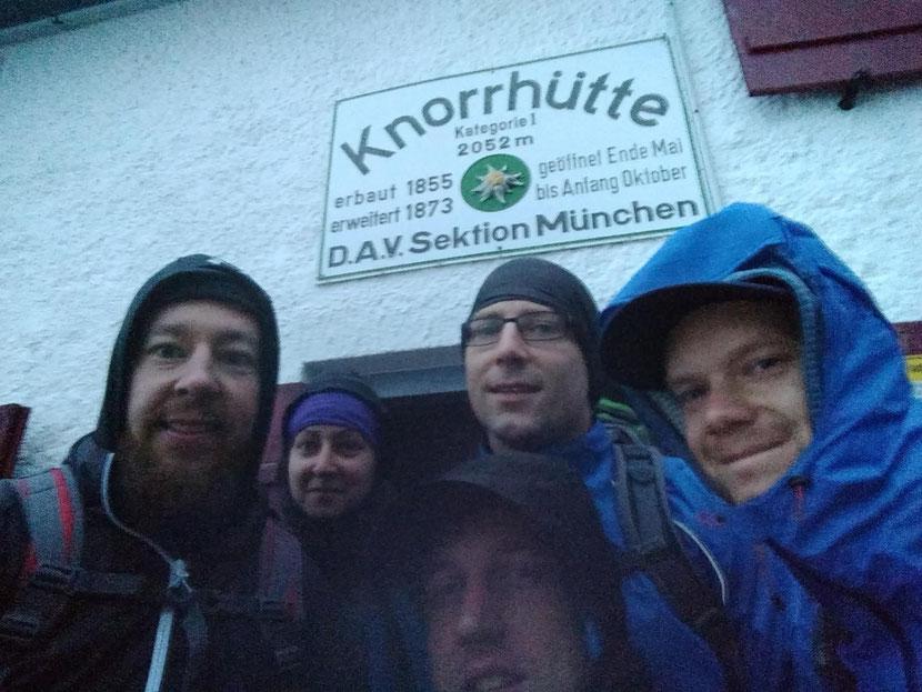 Morgens um 05.00 Uhr an der Knorrhütte