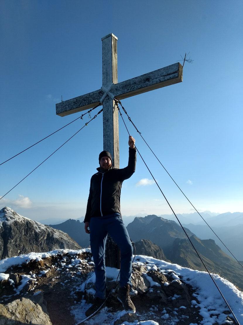Am Gipfel des Geißhorn 2.366m