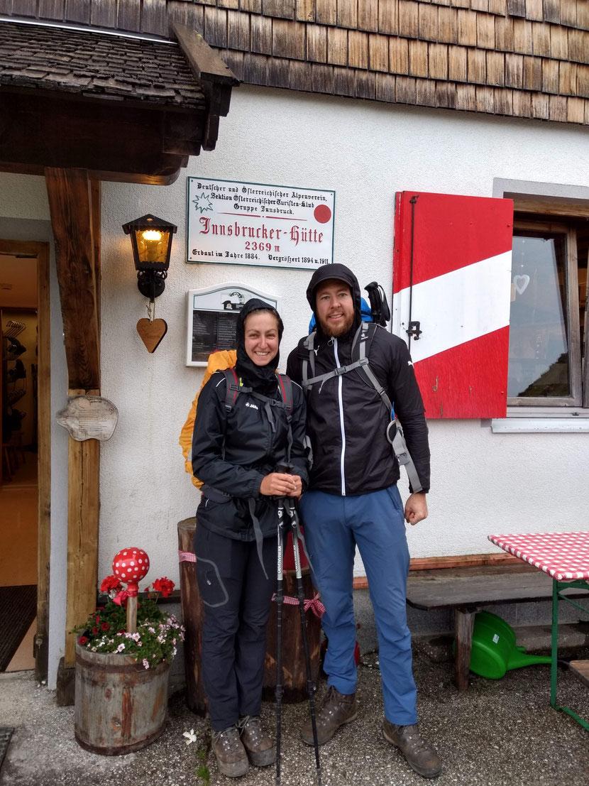 Aufbruch an der Innsbrucker Hütte