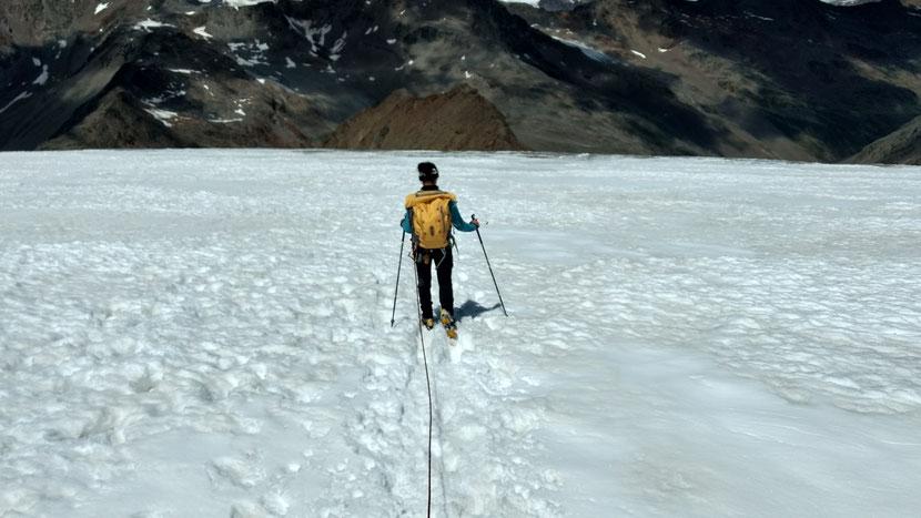 Abstieg über den Gletscher