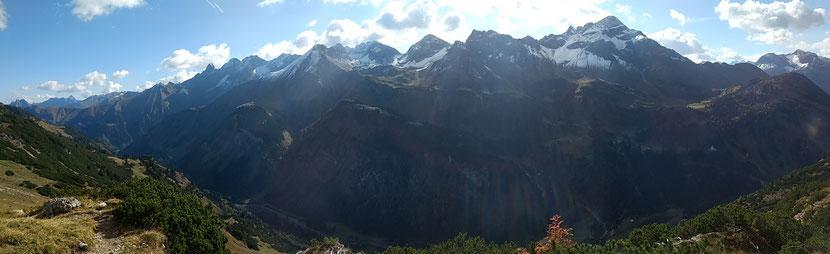 Panorama auf dem Krumbacher Höhenweg