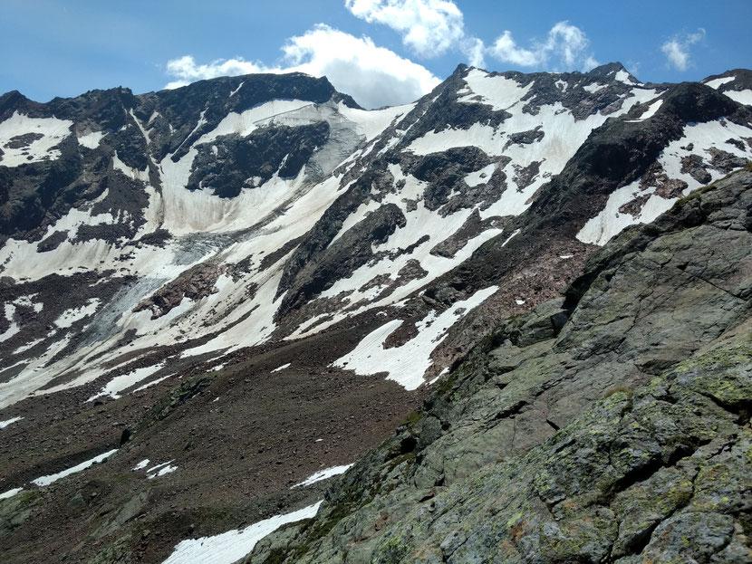 Blick auf die vergletscherten Feuersteine (3.268m)
