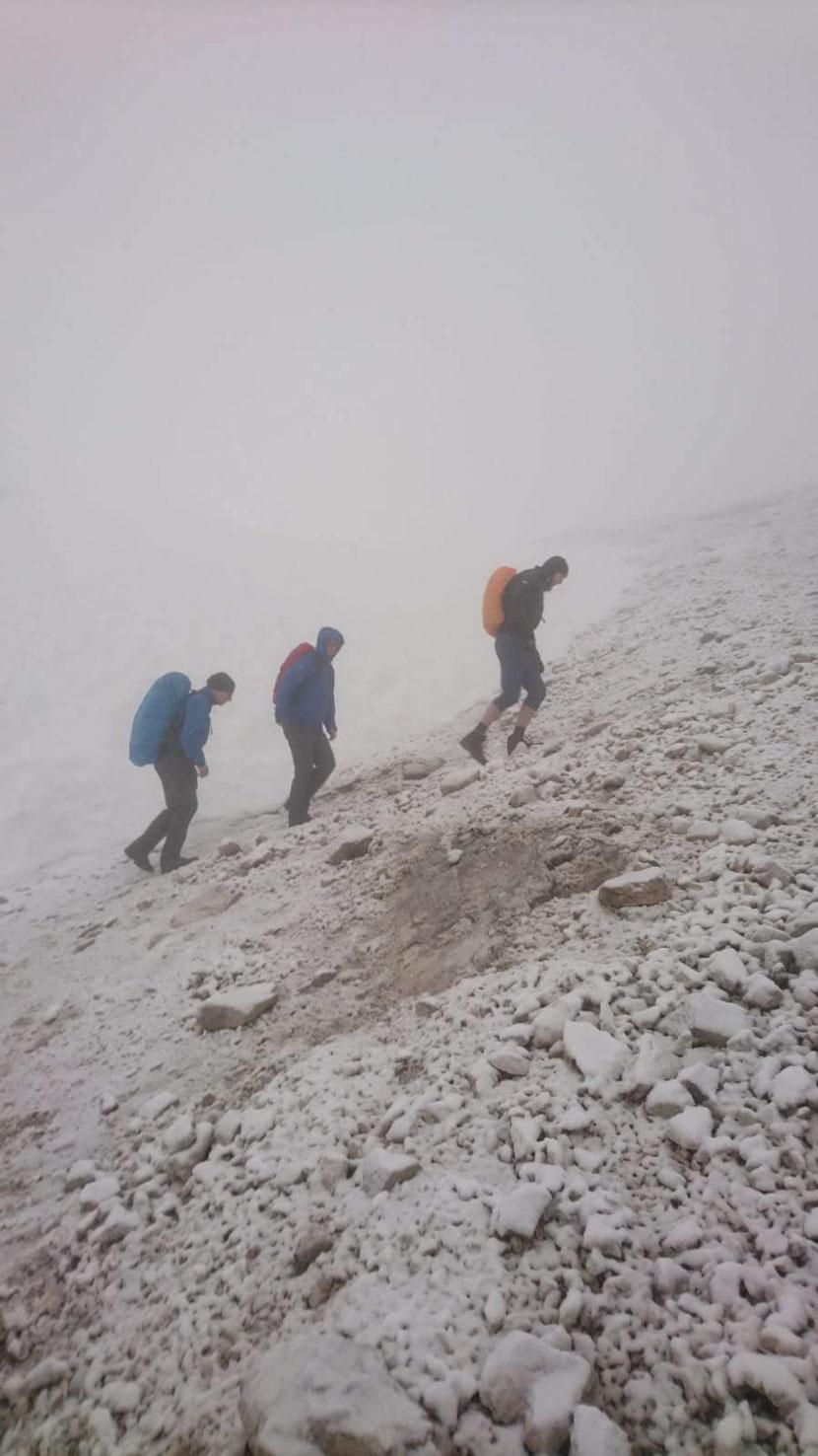 Mühsamer Aufstieg bei Schnee und -5 Grad
