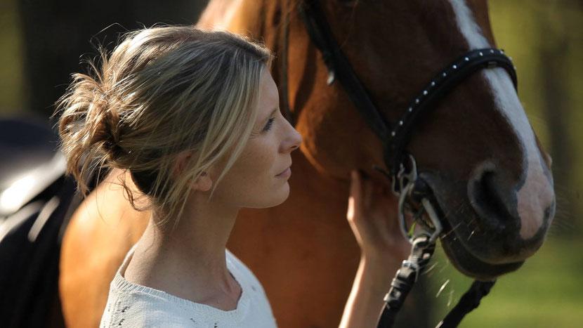 interview helene gateau  veterinaire presentatrice tv helene et les animaux