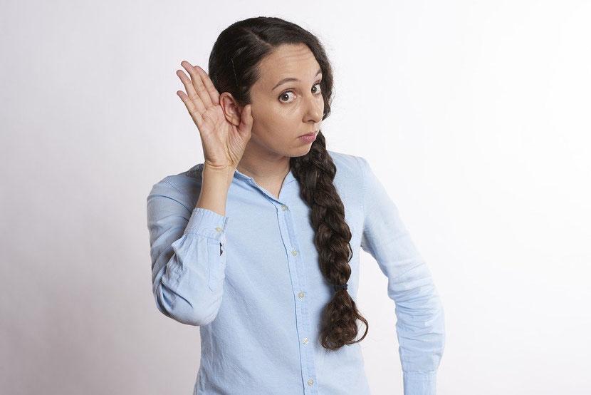 子育てに肯定感を生むホームエデュケーション・スキル「目と耳と心を十分に使って聴く」パパとママへ