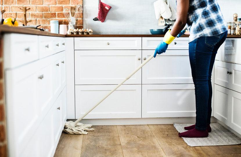 Hallo Reinigung in der Küche