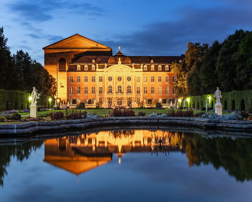 Trier Series: #2 Kurfürstliches Palais und Konstantin-Basilika :: Copyright Martin Schmidt, Fotograf für Schwarz-Weiß Fine-Art Architektur- und Landschaftsfotografie aus Nürnberg