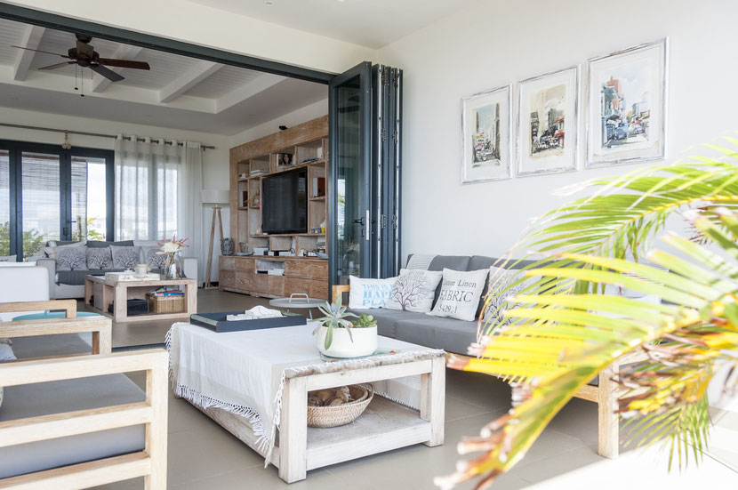 exceptional penthouse with sea view in mauritius island on resale