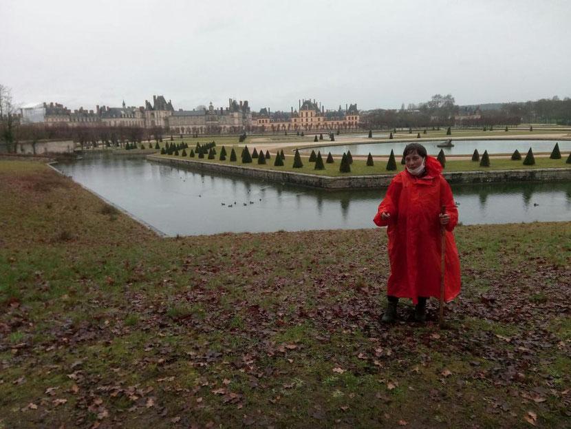 La vue du château et des jardins nous a émerveillés...même sous la pluie !