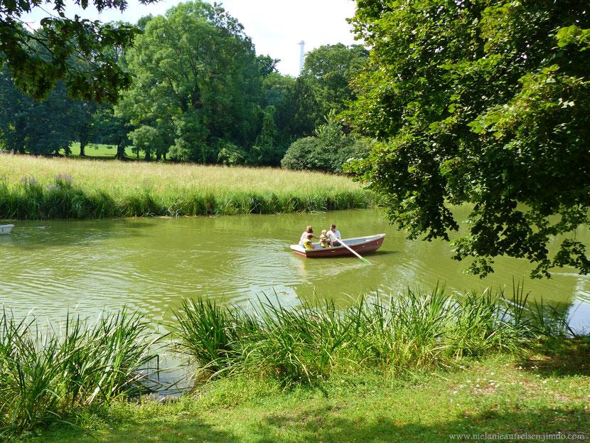 Paddeln in einem der schönsten englischen Landschaftsgärten in Deutschland - das gibts nur im bayrischen Nizza :-)