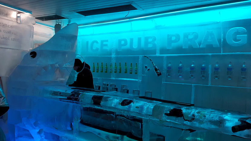 IcePubPrag Melanieauf Reisen PragmitTeenagern