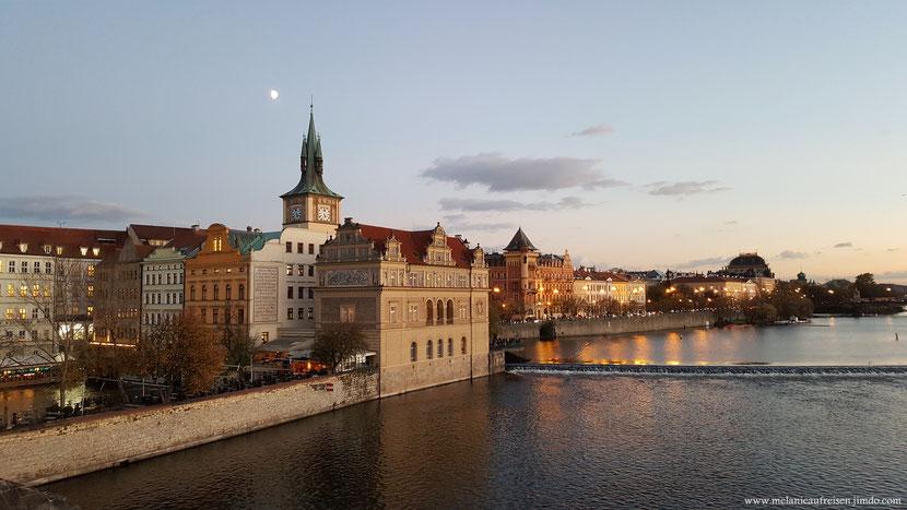 Goldene Stadt Prag Karlsbrücke MelanieaufReisen Fotoparade Moldau