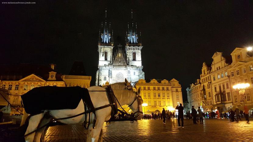 AltstädterRing Prag MelanieaufReisen Fotoparade Pferdekutschen Astronomische-Uhr