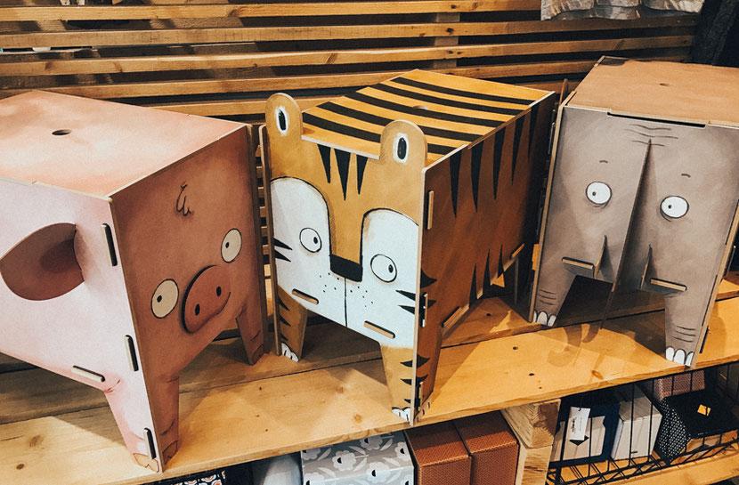 концепт-стор на канале Сен Мартен с необычными предметами интерьера