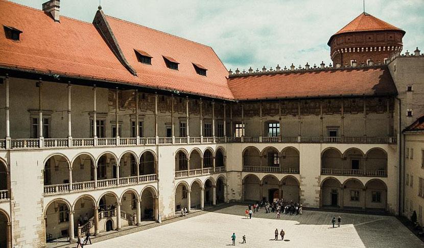 """Wawel Castle in Krakow features an unusual place """"Earth chakra"""""""