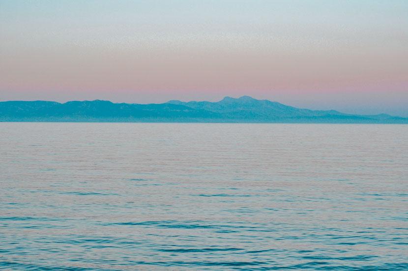 краски заката на пляже Неа Макри возле Афин
