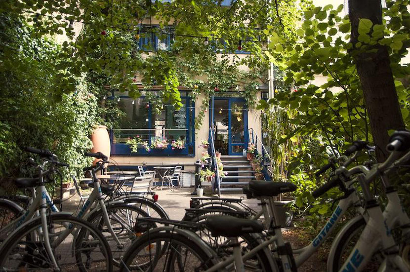 концептуальный эко-отель в Париже