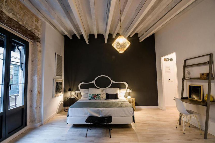 a luxury room in a Palacete boutique hotel in Alicante