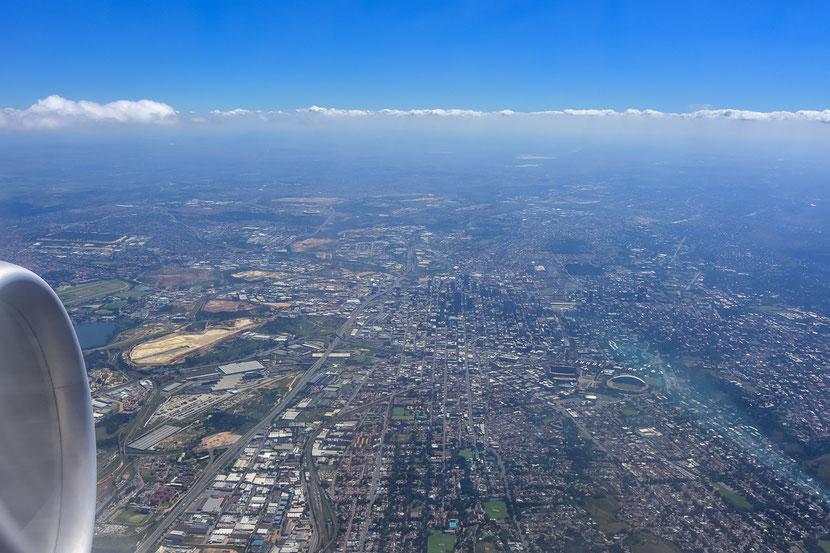 Letzter Blick auf Johannesburg aus dem Flugzeug