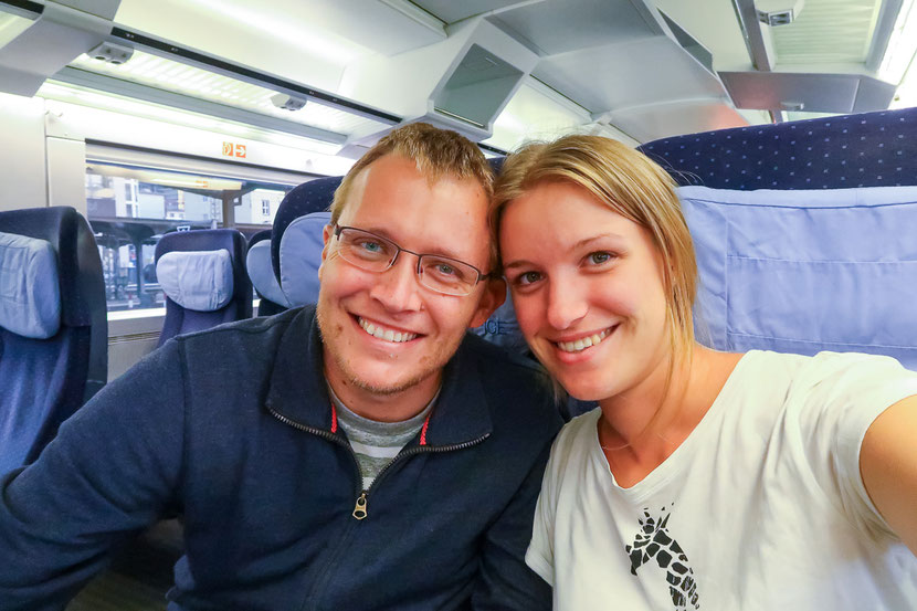 Am nächsten Morgen geschafft aber glücklich und gesund wieder im Zug nach Basel