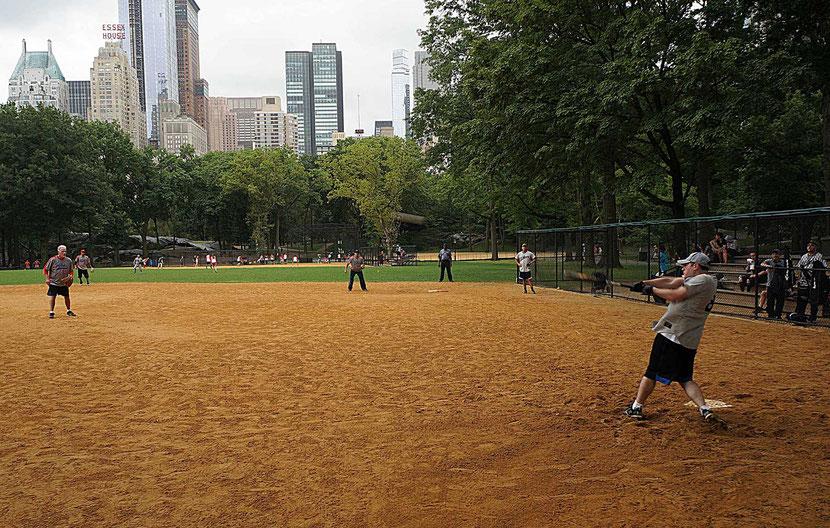 Mathieu Guillochon photographe, USA, New York City, Manhattan, central park, voyage, baseball, playground, joueurs, street photo.