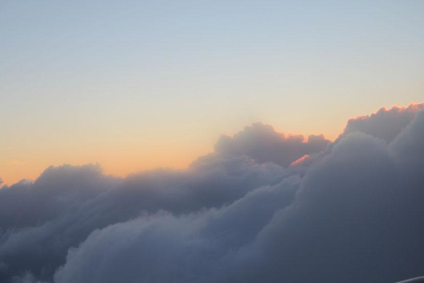 Dritter Anflug auf La Palma-über den Wolken ff.