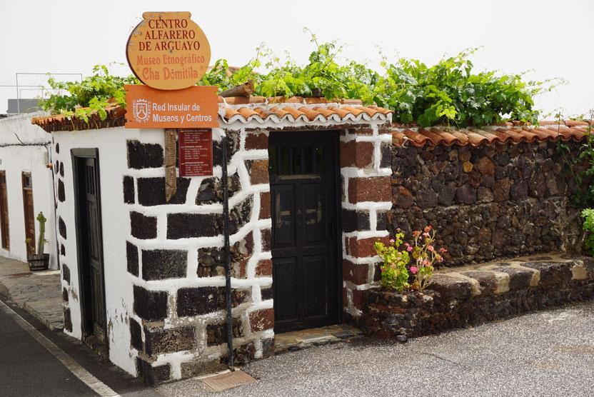 Von außen wirkt das Töpfermuseum ein wenig unscheinbar, Arguyao, Teneriffa