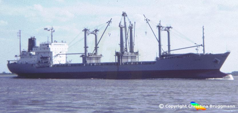 """Stückgutfrachter """"IRINI"""" auf der Elbe 1985"""
