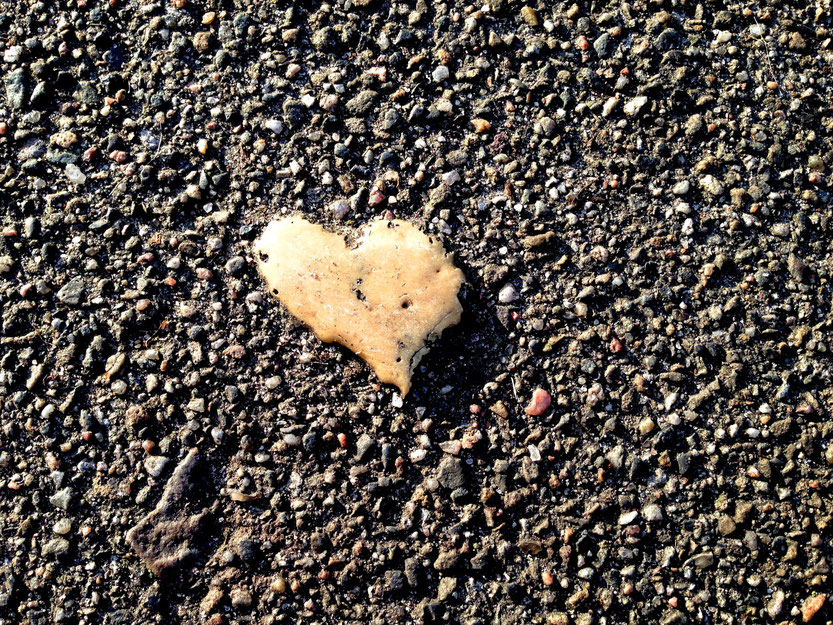 Herzchen auf der Straße