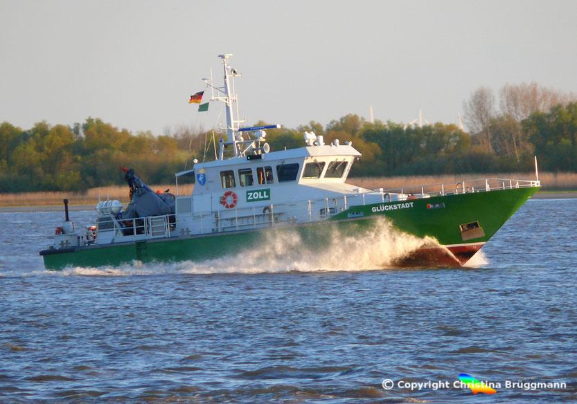 Zollboot GLÜCKSTADT, Elbe 02.05.2015