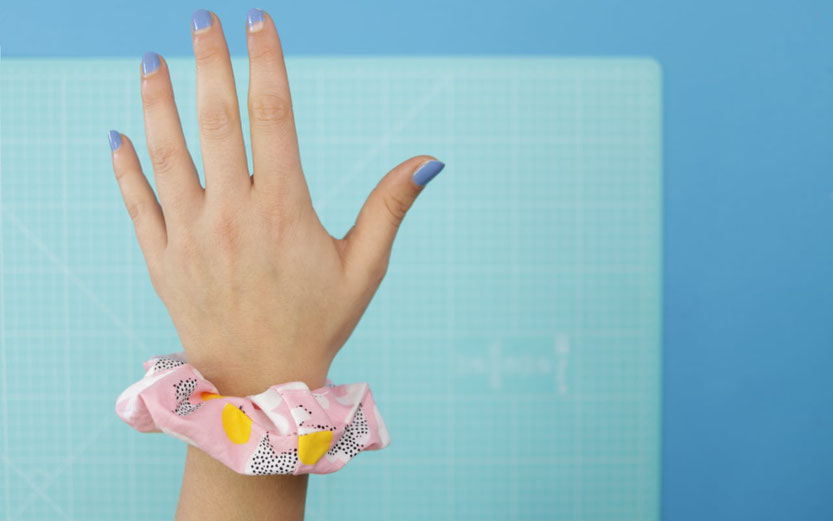 10 DIY Ideen aus Stoffresten – DIY Eule: Haargummi nähen