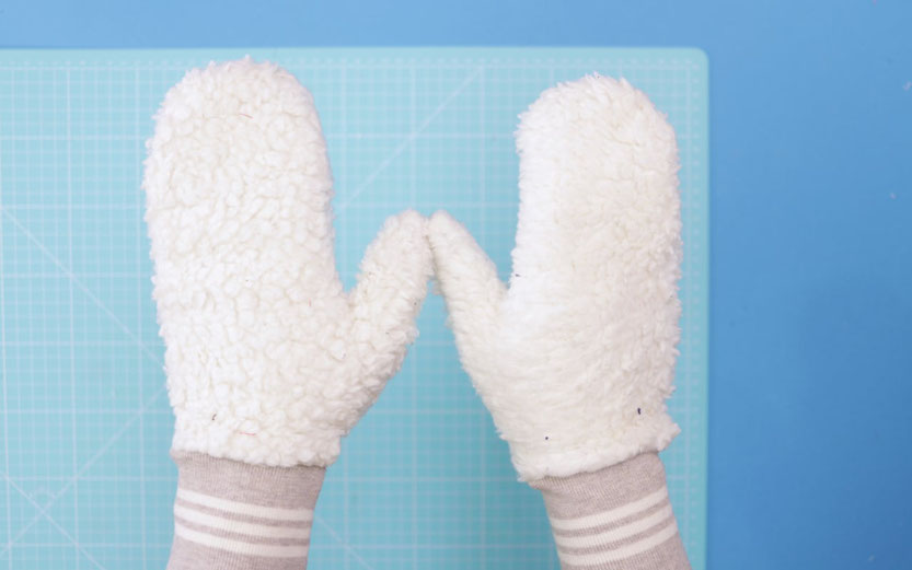 10 DIY Ideen aus Stoffresten – DIY Eule: Handschuhe Fäustlinge nähen aus Stoffresten ohne Schnittmuster